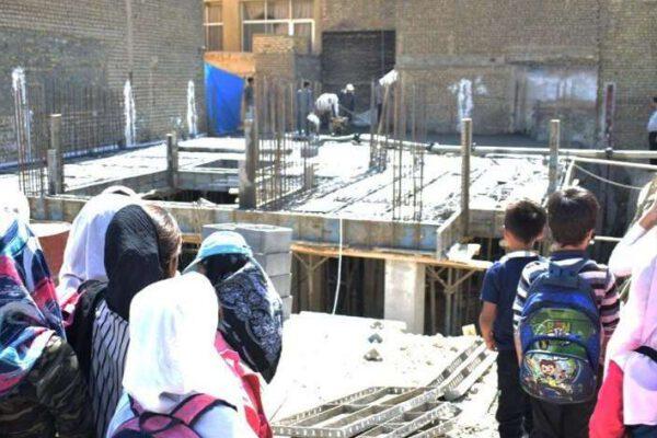Eine Schule für afghanische Flüchtlingskinder